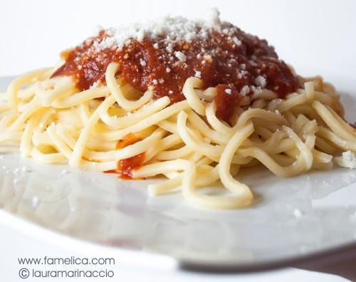 la ricetta del sugo di agnello con i troccoli - famelica food blog famelica foodblogger - laura marinaccio